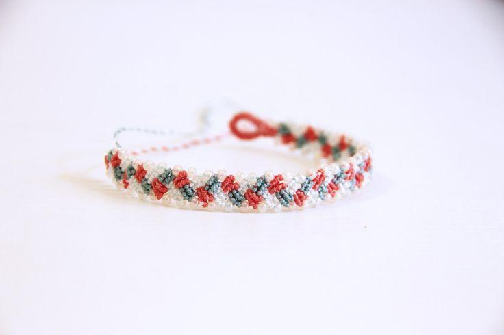 Braccialetto dell'amicizia/macramè/braccialetto con perline a macramè/bracciale rosa, bianco e verde/made in…