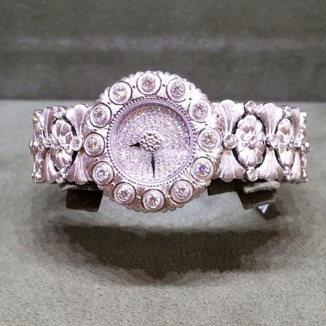 With diamonds buccellati tulle ramage ring in white gold with diamonds