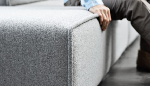 Carmo4 carmo sofa a modular seating system by boconcept for Canape boconcept