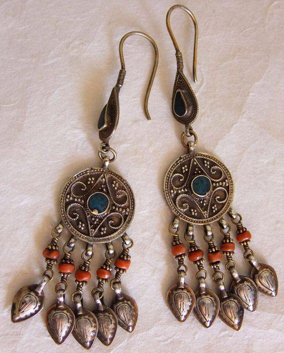 Pendientes antiguos de plata. Pendientes antiguos de Afganistán. Joyería afgana. Joyería étnica.
