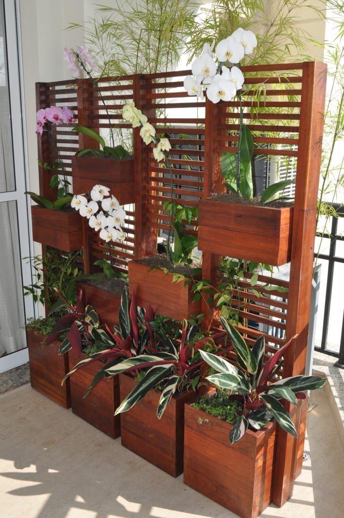 Navegue por fotos de Terraços : Jardim vertical. Veja fotos com as melhores ideias e inspirações para criar uma casa perfeita.