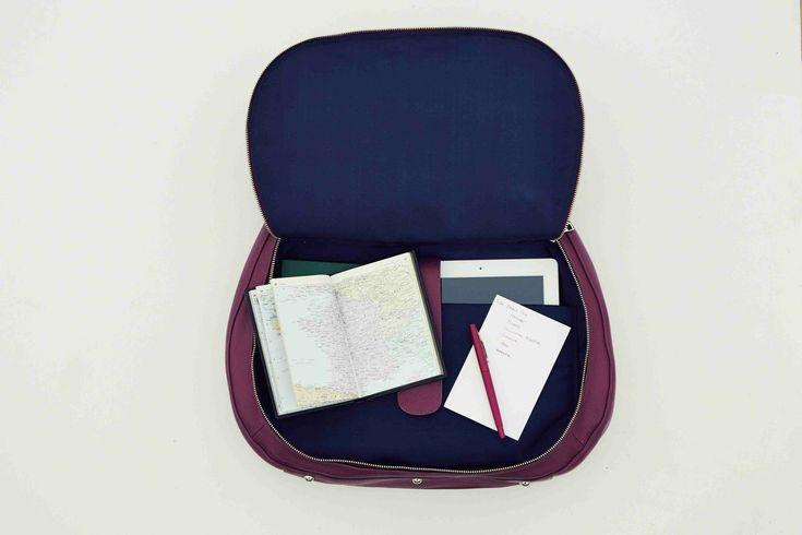 Alesya Bags: That's a laptop bag?! « Carley K.