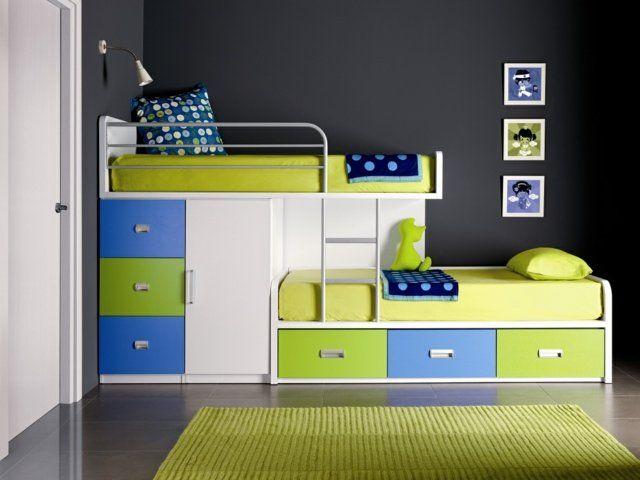 chambre garçons avec lits superposés en bleu et vert Plus