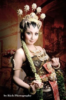 Javanese style with Paes Ageng
