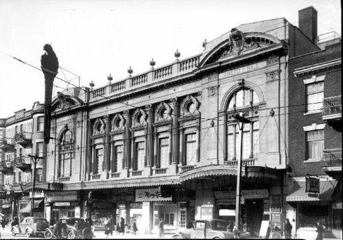 Montreal, 1936 - Rialto Theatre on Park Avenue.