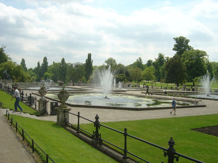 Extending over 142 hectares, Hyde Park in London boasts an abundance of leisure activities for visitors to enjoy.  blisshoneymoons.com