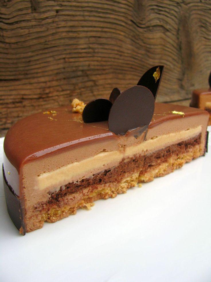 """Appena mi è stata consegnata la rivista """"Il pasticcere"""" di Gennaio mi sono detta è lei .... è lei assolutamente la prima torta che devo f..."""