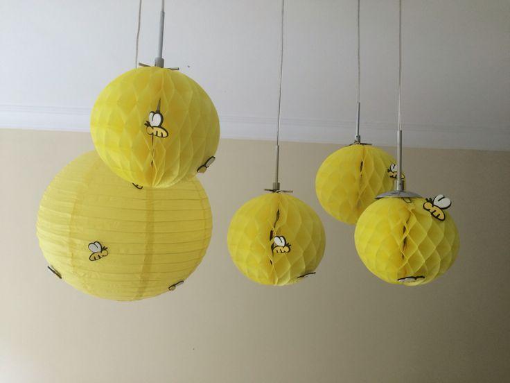 DIY decoração com colmeias e luminária de abelhinhas