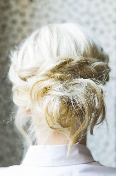 Dutch crown braid: http://www.stylemepretty.com/living/2015/02/16/how-to-dutch-braid-crown/ | Photography: Kathryn McCrary - http://www.kathrynmccrary.com/