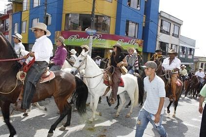 La cabalgata le dio inicio a la Feria de Manizales
