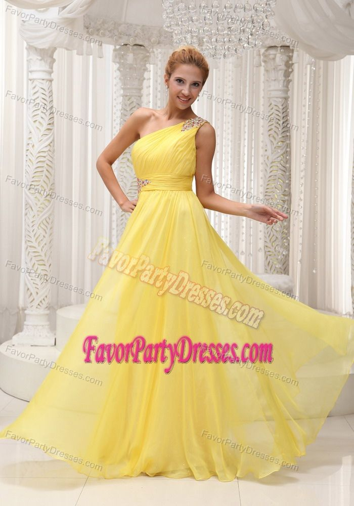 Elegant Ruched and Beaded Floor-length Chiffon Evening Party Dresses