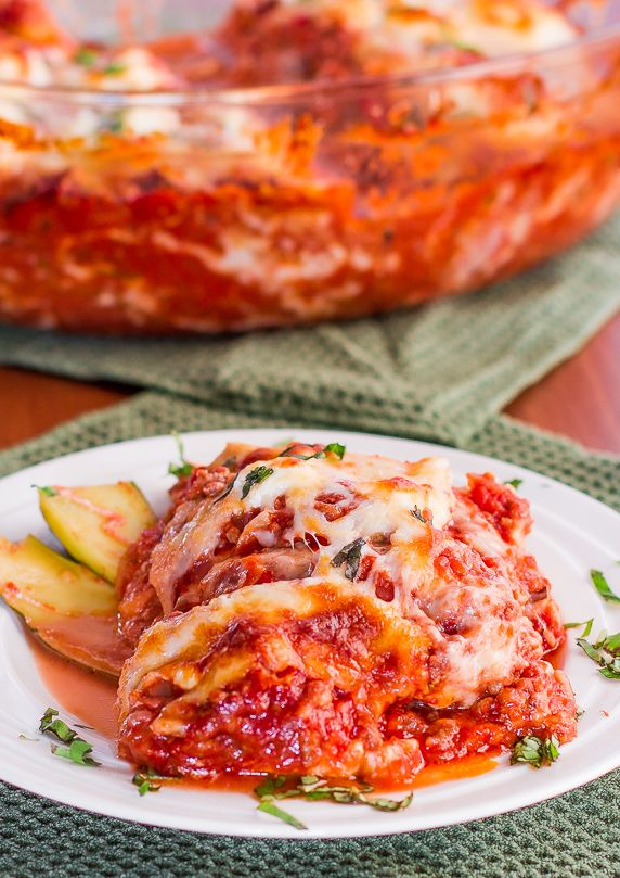 Zucchini Lasagna - low fat, low carb, ridiculously delicious and only 337 calories! Oooooh yes.