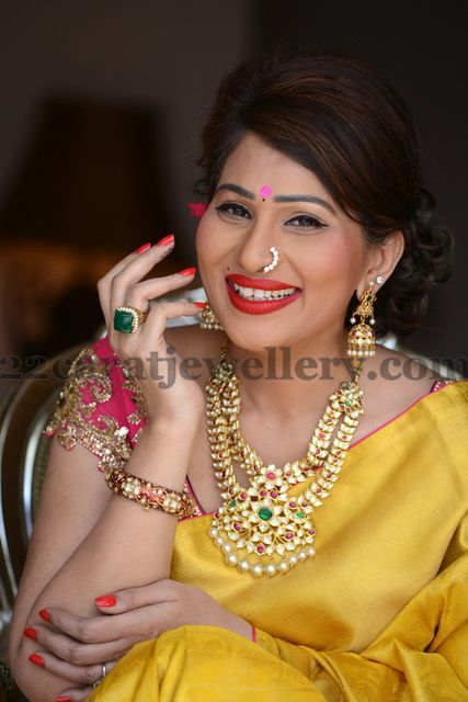 Jewellery Designs: Shreedevi in Timeless Jewellery