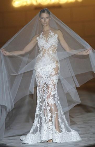 Как подобрать свадебные украшения к платью - http://1svadebnoeplate.ru/kak-podobrat-svadebnye-ukrashenija-k-platju-3180/ #свадьба #платье #свадебноеплатье #торжество #невеста