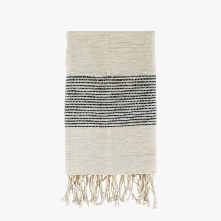 Our navy ribs hand towel is as versatile as it is beautiful. Soft, natural hand towels with ribbed ends are a classic complement to any style. Shop now.