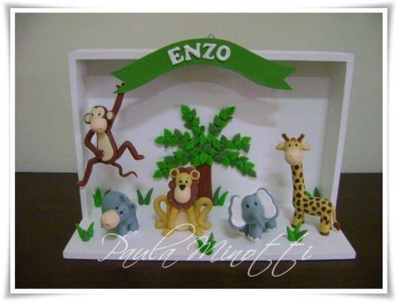 Quadrinho+de+Nascimento+para+enfeitar+a+porta+do+quarto.++Tema+safari+com+macaco,+hipopótamo,+elefante,+leão+e+girafa.++Faço+com+o+tema+e+a+cor+que+vc+desejar. R$ 60,00