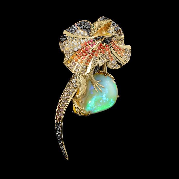 Frilled Lizard pendant  by Master Exclusive