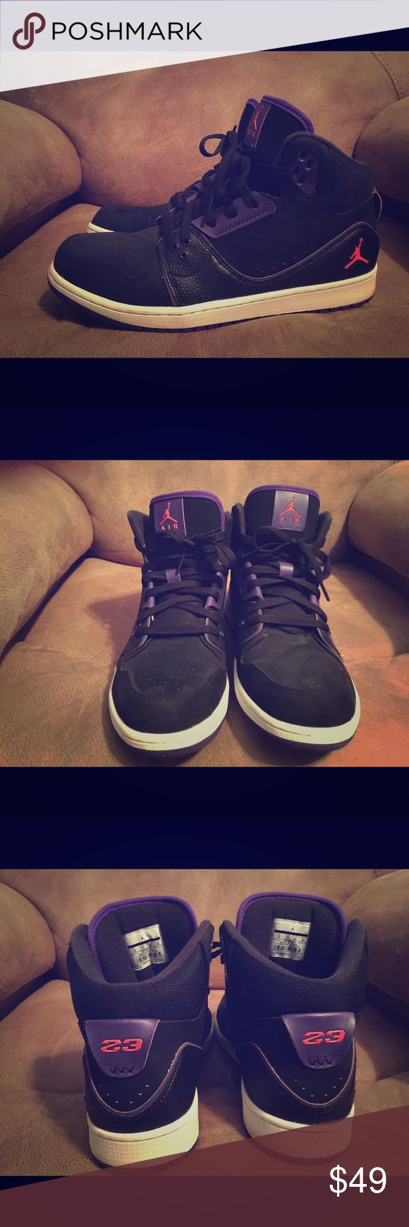 Air Jordan 1 Flight 2 Classics Classic authentic Jordan 1 Flight 2's. Super clean and only wore once or twice. No scuffs. No scratches. Excellent condition. Jordan Shoes Athletic Shoes