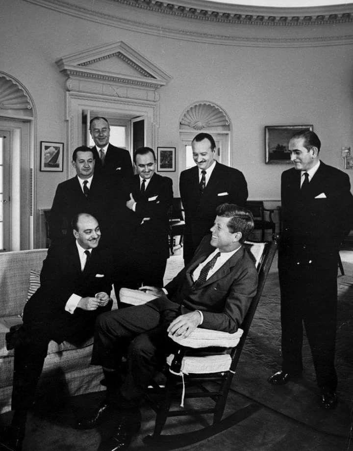 1961. 10 Octobre. President John F. Kennedy meets with Carlos ...