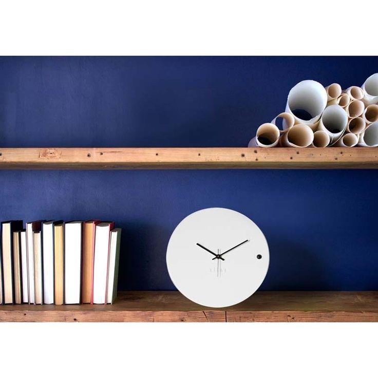Ρολόγια τοίχου της Εταιρείας xline. Wall clock tre small white 45€