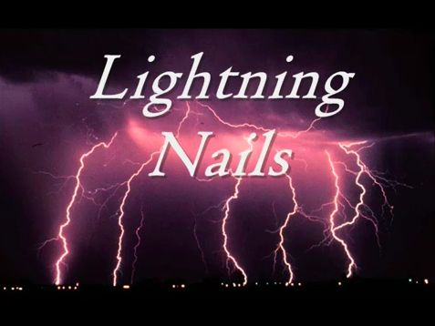 VOILÀ! Dramatic lightning nails. | Lightning Nails Are The New GalaxyNails