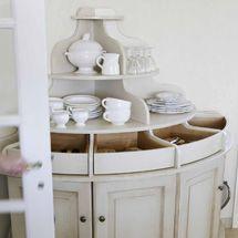 Une cuisine exploitant toute la hauteur de la pièce - Ambiance Manoirs & Châteaux - Cuisines Malegol