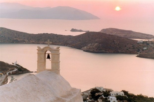 Ios Island, Panayia Gremiotissa. The most important of Íos' 365 #churches is this lovely church, standing on Hóra's highest spot. It is built literally on the edge of a cliff, affording an amazing view of the open sea. #Cyclades #Greece #sunset
