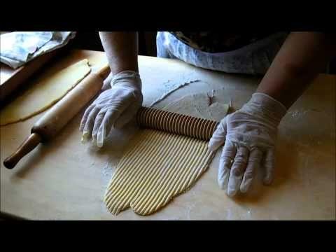Video Ricetta: La Tipica Maccaronara dell'Irpinia - Pasta fatta in casa - YouTube