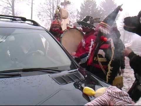 Obiceiuri de iarna - Ursii din Vorona :X