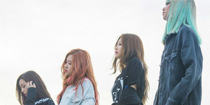 Black Pink is the first K-Pop girl group to enter Billboard's Canadian Hot 100! http://www.allkpop.com/article/2016/11/black-pink-is-first-k-pop-girl-group-to-enter-billboards-canadian-hot-100