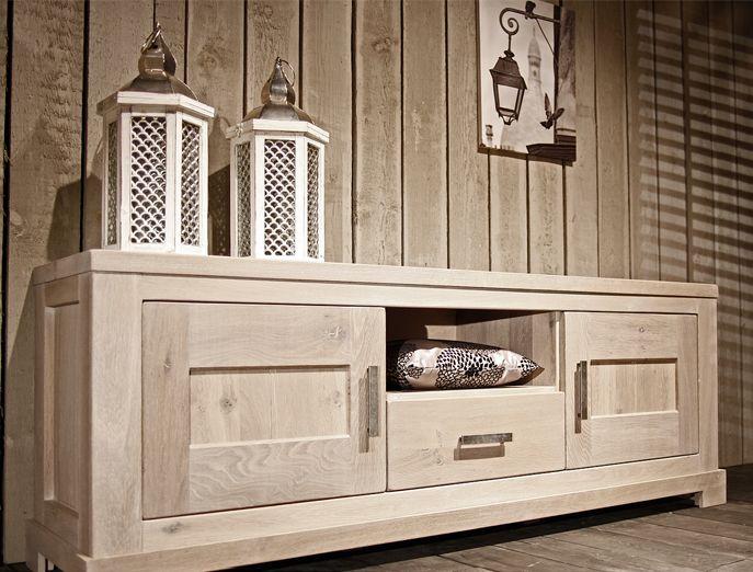 Maatwerk meubels. Eiken lifestyle meubelen. www.tencatewonenenslapen.nl