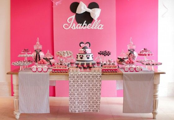 Mesa dulce y fiesta temática de Minnie Mouse
