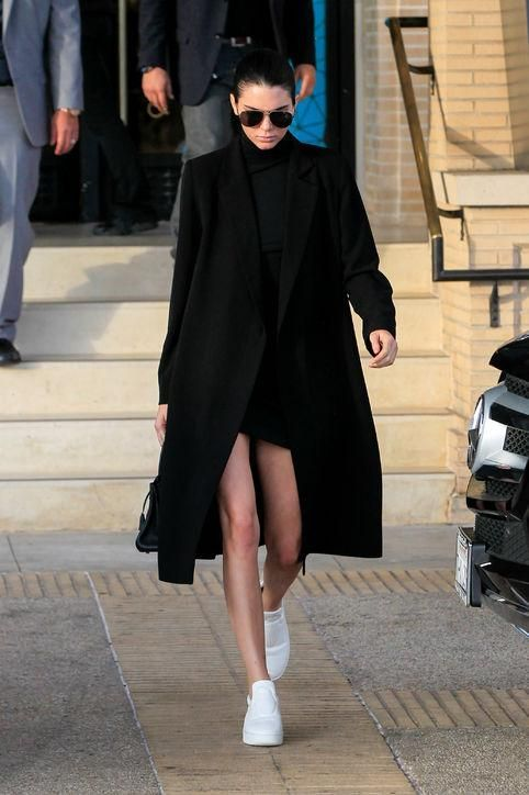 Click for style tips and tricks for wearing the athleisure trend without looking like you actually just pulled on gym clothes. Come learn from the masters like Kendall Jenner.