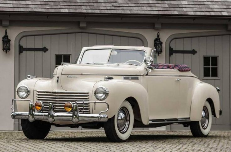 My dream car, I want one so bad....1940 Chrysler New Yorker Highlander!!! (courtesy of autowp.ru)
