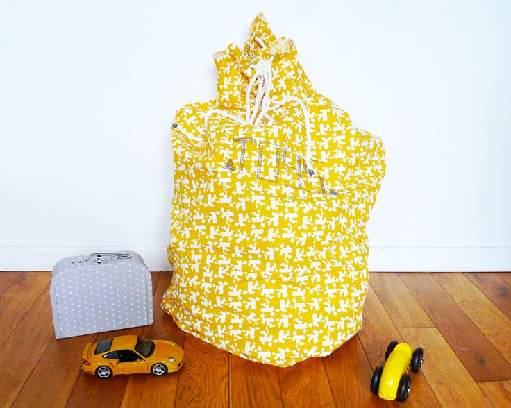 "milh Kit:  Big sac à Jouet ""TOYS"" http://milh-diy.com/shop/kits/688-le-big-sac-a-jouets-toys-jaune-.html"