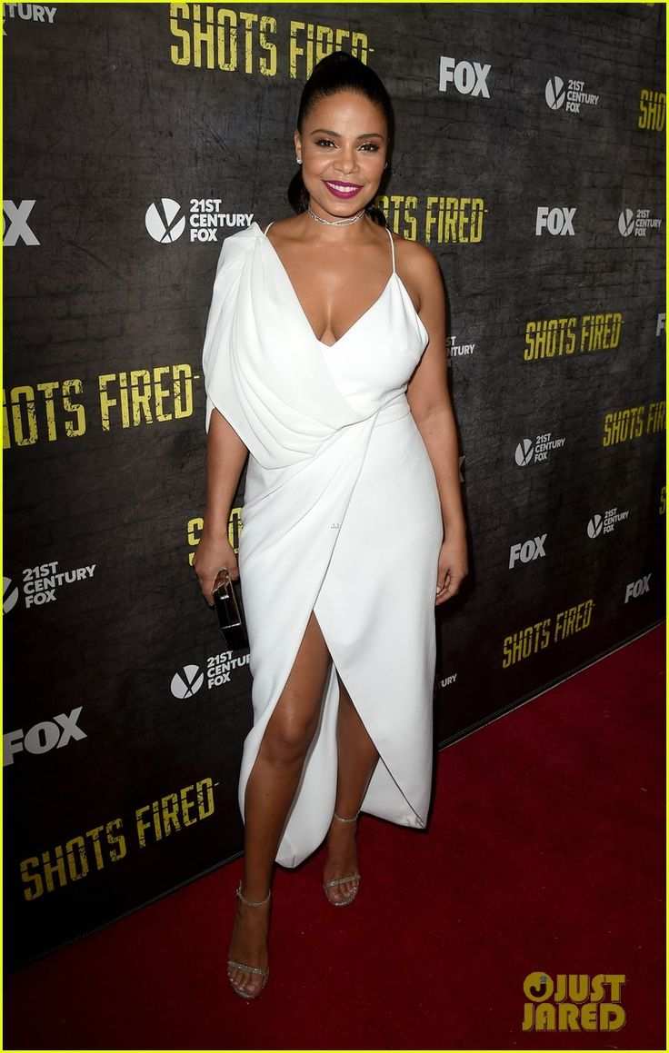 Sanaa Lathan & the 'Shots Fired' Cast Unintentionally Matched at Their Premiere! | sanaa lathan shots fired premiere 01 - Photo
