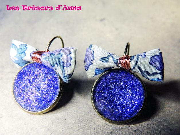 via en.dawanda.com Small Earrings – Earrings Lilac sequined flower! – a unique product by Les-tresors-d-Anna on DaWanda