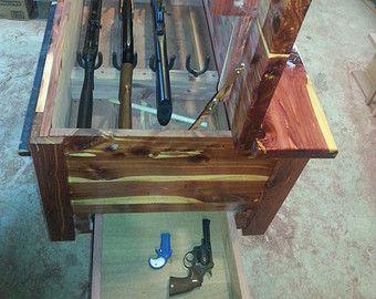 Pistola de cedro pecho con cierres ocultos por BarroneFarm en Etsy