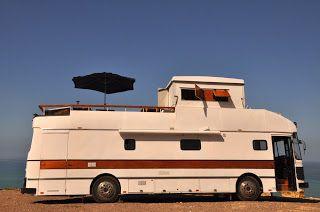 17 meilleures id es propos de camping car de luxe sur pinterest. Black Bedroom Furniture Sets. Home Design Ideas