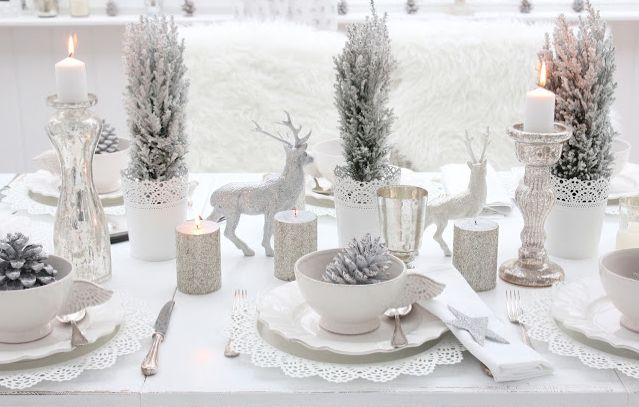 Nos apuntamos a una Navidad monocolor en blanco radiante.