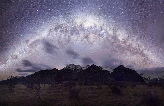 Milky Way over Aoraki/Mount Cook, New Zealand (© Kathryn Diehm/Getty Images)