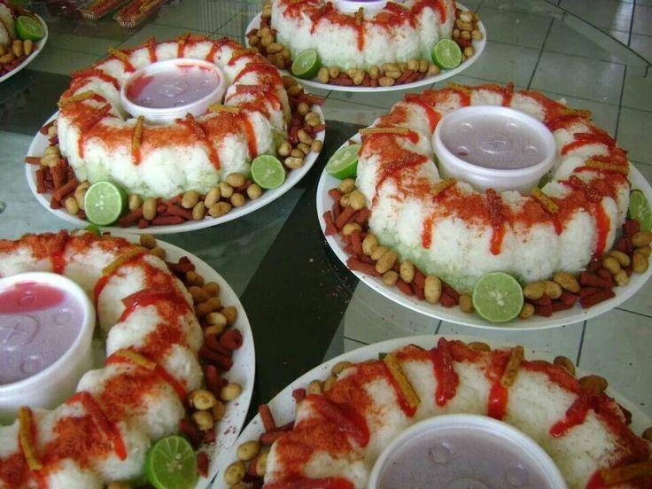 Mesas de Botana Salado Roscas de Vegetales Bella Idea (jicama, pepino, cacahuate japones, golos de tamarindo):