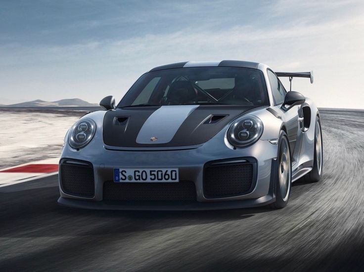 The fastest and most powerful road-approved 911 is ready for launch: The new Porsche 911 GT2 RS celebrated its world premiere at the 2017 Goodwood Festival of Speed in the UK. At the heart of this high-performance sports car is a 515 kW (700 hp) biturbo flat engine. Weighing in at 1,470 kg with a full fuel tank, the lightweight two-seater accelerates from zero to 100 km/h in 2.8 seconds. The rear-wheel drive Coupé has a top speed of 340 km/h.