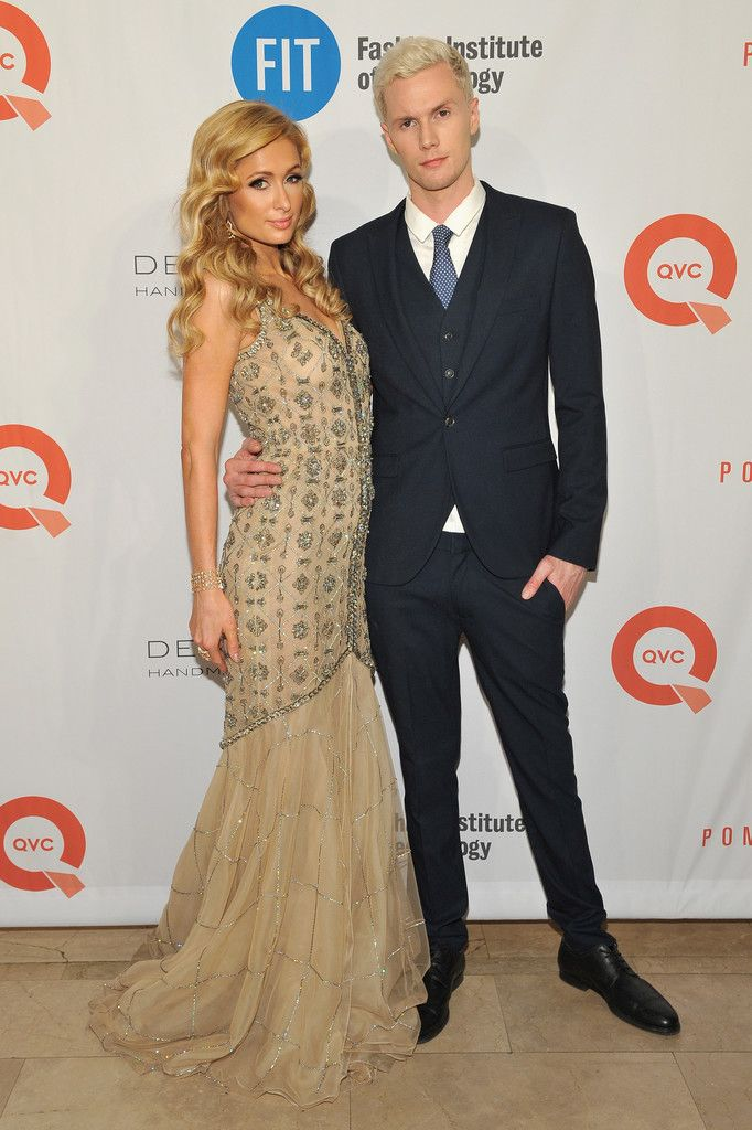 Paris Hilton Photos Photos - Paris Hilton (L) and Barron Hilton attend FIT's Annual Gala to Honor Dennis Basso, John and Laura Pomerantz and QVC at the Grand Ballroom at The Plaza Hotel on May 9, 2016 in New York City. - FIT's Annual Gala to Honor Dennis Basso, John and Laura Pomerantz and QVC - Arrivals