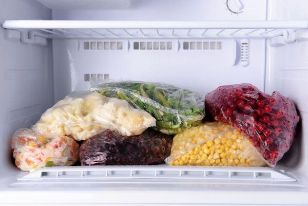 http://www.cadecga.com/category/Vacuum-Sealer/ 8 Tips for Freezing Food with a Vacuum Sealer - thegoodstuff