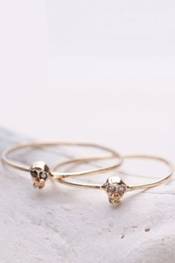 skull rings, OH I THINK THEY ARE SO CUTE