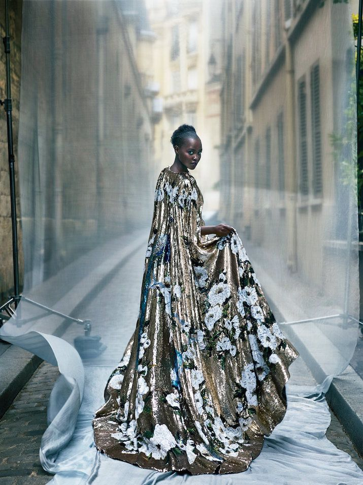 THIS CAPE!!! WOW. Beautiful!  Vogue cover girl  Lupita Nyong'o  October 2015.