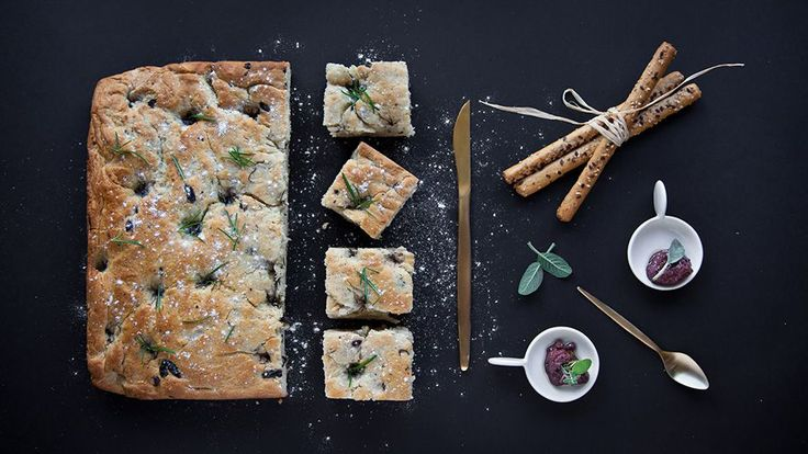 Pelasgaea | Focaccia With Black Olives And Rosemary