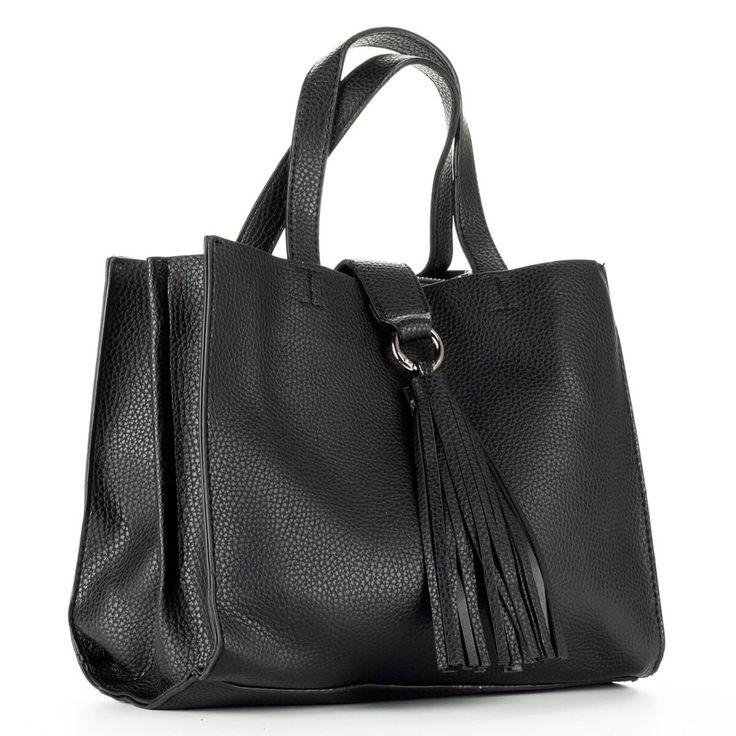 Diana & Co női divattáska fekete színben. Belseje egy középen található cipzáros rekesszel került osztásra. – ChiX Női Cipő- és Táska Webáruház  #bags #fashionbags