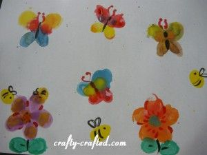 Fingerprint butterflies, bees, and flowers: Fingerprint Art, Beautiful Fingerprints, Art Ed Group, Fingerprints Butterflies, Creative Fingerprints, Fingerprints Art, Fingerprints Gardens, Art Pieces, Anytim Art